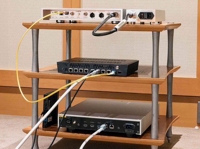 画像: Step.3:NASとsNH-10Gをオーディオ用LANケーブルでつなぐ