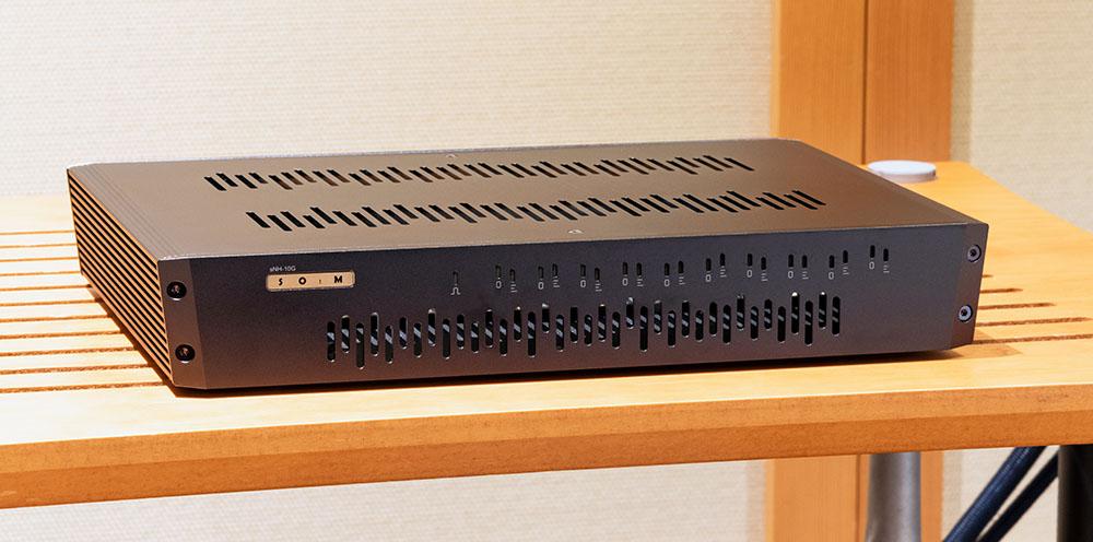 画像2: LUMIN「X1」とSOtM「sNH-10G」で光ファイバー伝送の効果を試す。LANスイッチが、ネットワークオーディオの音質に大きな影響をもたらすことを改めて実感した