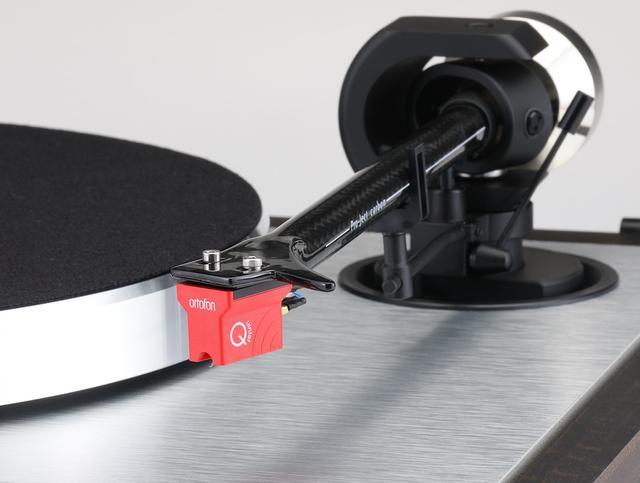 画像: 付属するカートリッジはオルトフォンのQuintet Red。出力電圧0.5mVのMC型で、日本国内未発売モデル。