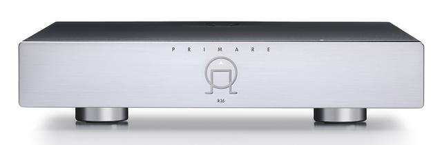 画像: 前面の中央に配置された同社のマークが電源スイッチ。リアのACインレットの脇にはメイン電源スイッチ。