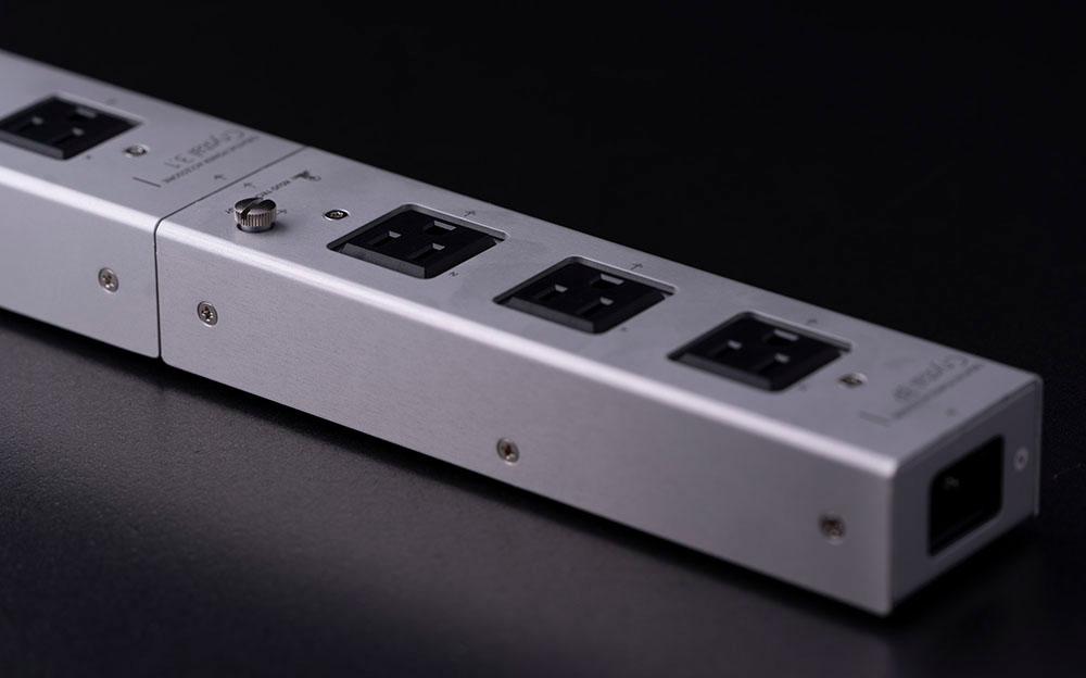 画像: Crystal 3Pをつないだ様子。CrystalシリーズやForce barと組み合わせて大型タップとして使用可能
