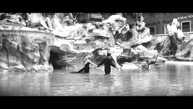 画像: La Dolce Vita Trailer - Starring Anita Ekberg Dir. Federico Fellini www.youtube.com