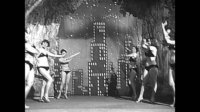 """画像: """"LUCI DEL VARIETÁ"""" (1950) de Federico Fellini y Alberto Lattuada. www.youtube.com"""