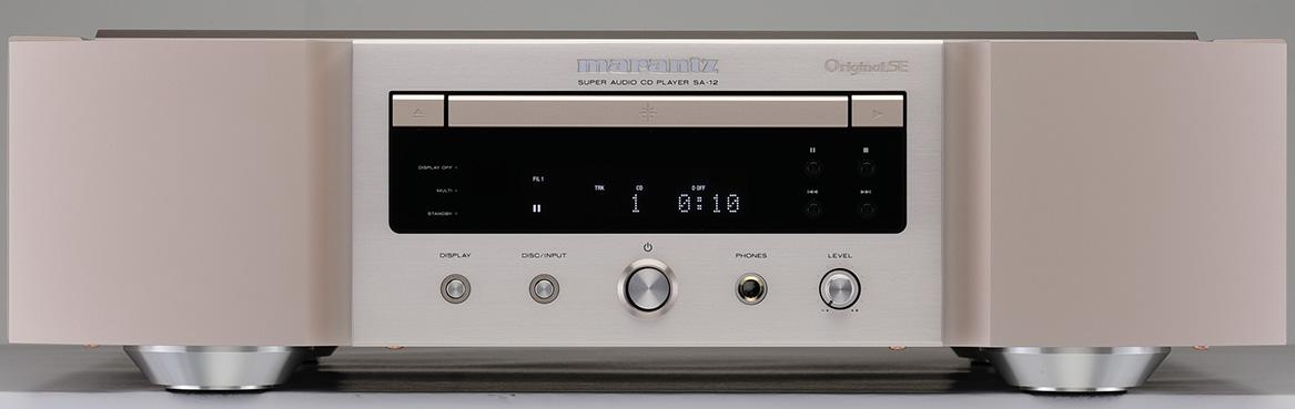 画像: ディスクトレイの右上に「Original SE(OSE)」の刻印が見える。中央の表示部にはPCM信号で有効なデジタルフィルター切替えのポジションも表示する。