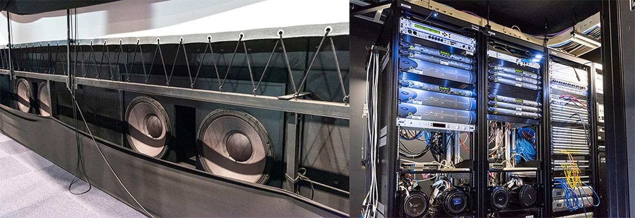 画像: 写真左がサブウーファーの「4642A」。46cmユニットを2基搭載したモデルで、角川大映スタジオではこれを2台スクリーン下側に並べている。パワーアンプはスクリーンのバッフル裏に収められており、アムクロン「I-T 5000HD」が使われている