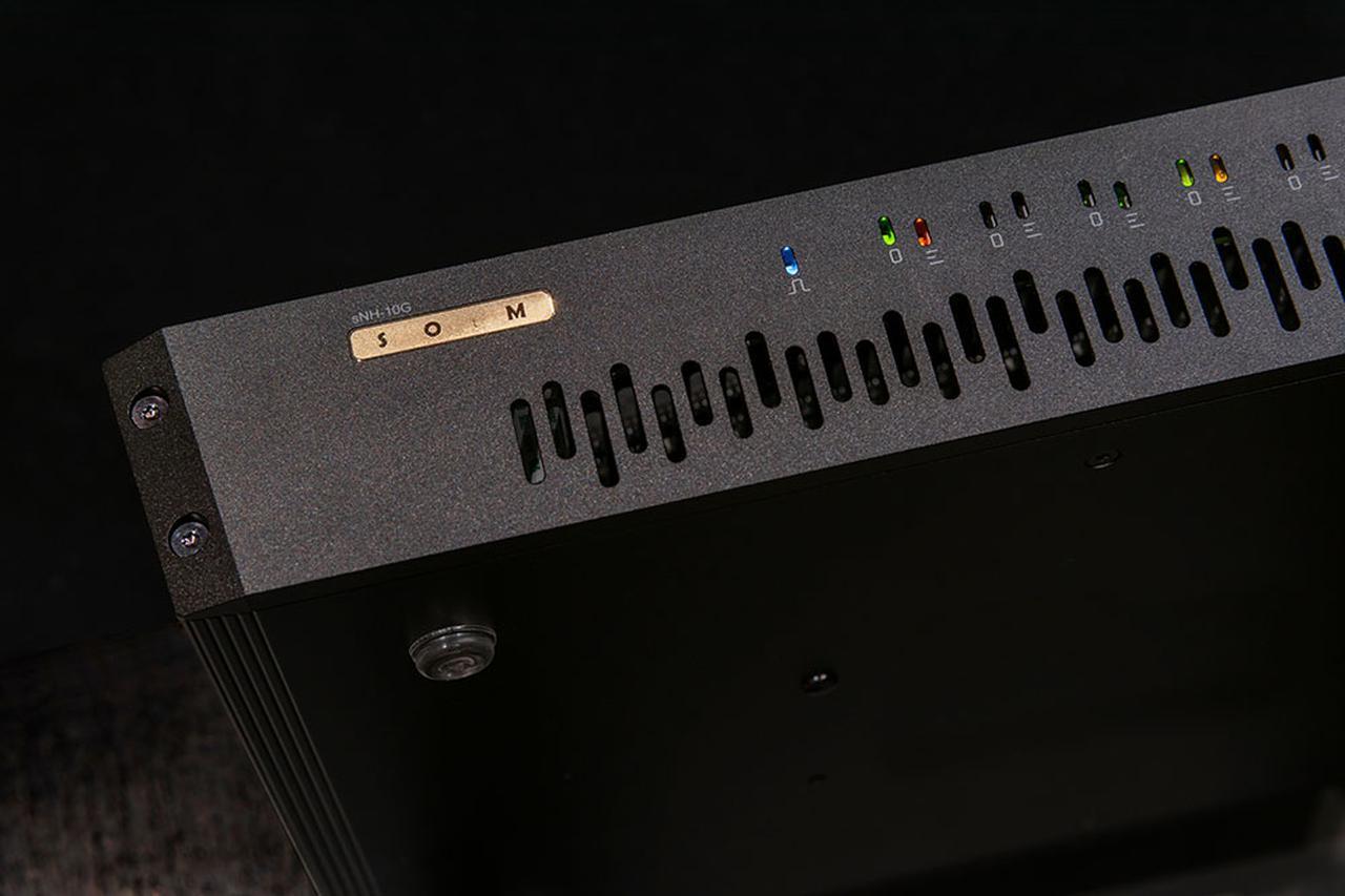 画像: LUMIN「X1」とSOtM「sNH-10G」で光ファイバー伝送の効果を試す。LANスイッチが、ネットワークオーディオの音質に大きな影響をもたらすことを改めて実感した - Stereo Sound ONLINE