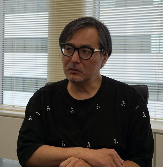 """画像: 監督: 星野哲也 さん 1965年福岡県生まれ。長年、レストランやワインバーなど最先端の人が集まる場所を提供し""""東京の夜""""を俯瞰し続けてきた。現在は東京「ガランス」「焼肉ケニヤ」を経営"""