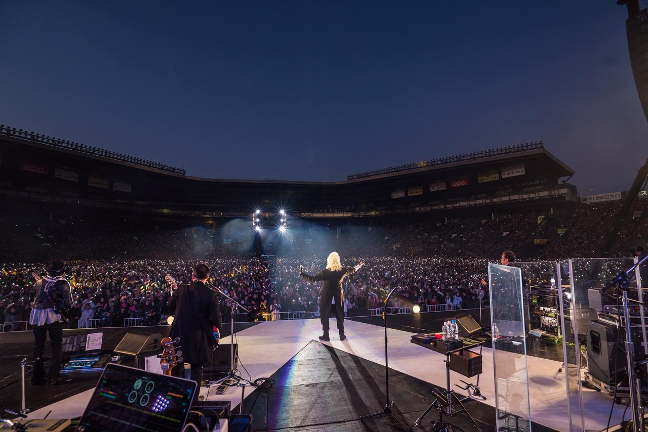 """画像: 3万8000人の観客を沸かせた『安全地帯 IN 甲子園球場 """"さよならゲーム""""』"""