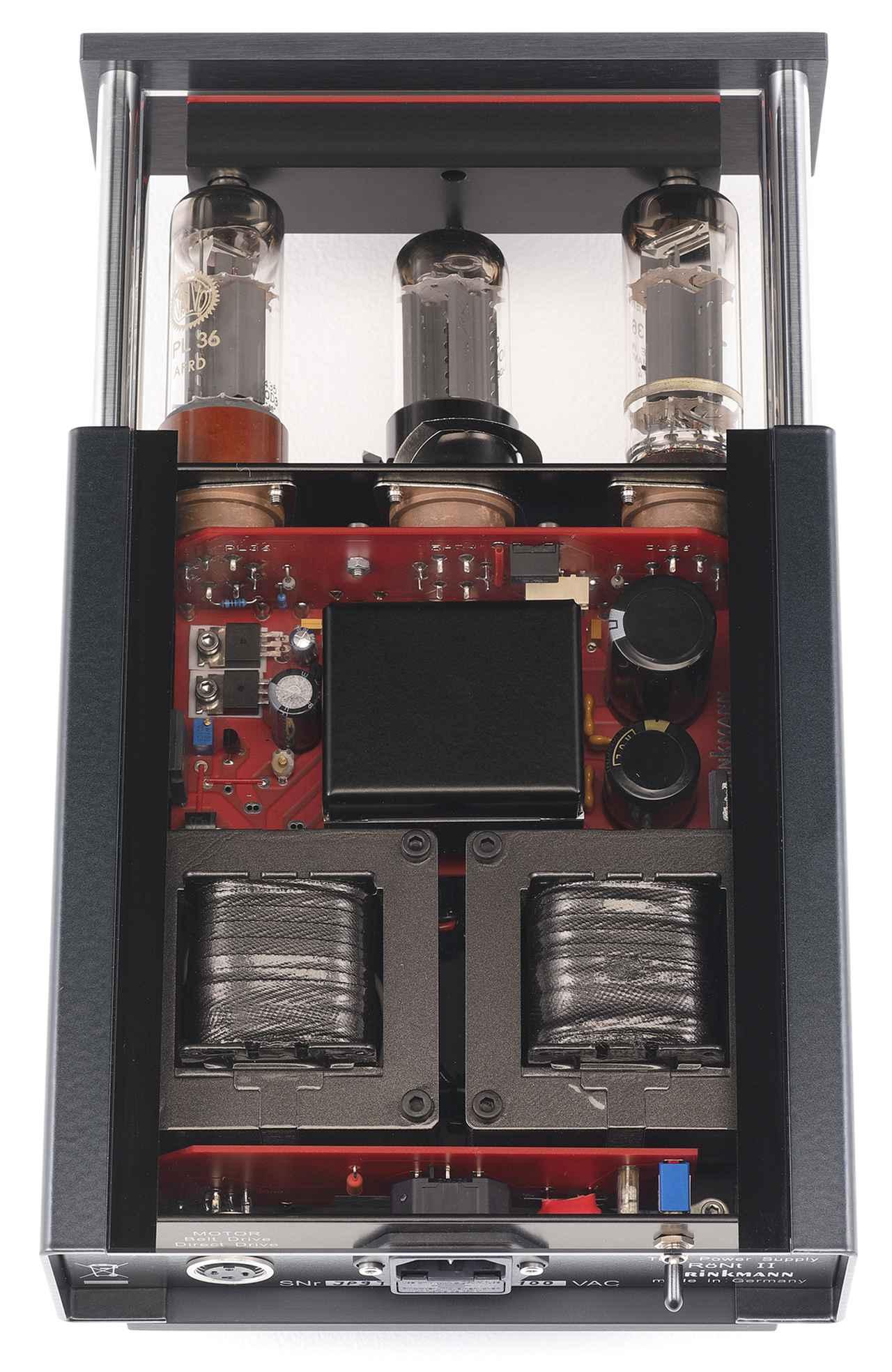 画像: RöNt Ⅱの天板はガラス製。真空管は中央が整流管5AR4、左右がTV用水平偏向出力管PL36。出力電圧DC24Vを安定的に供給する