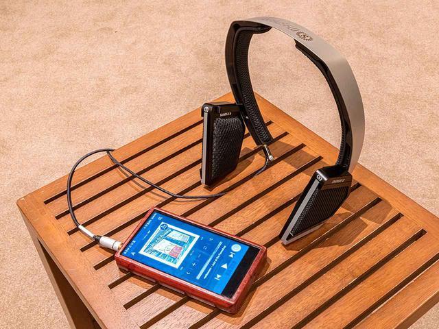 画像: 「MYSPHERE 3」はサウンドフレームも2種類準備され、ここでも音の変化を楽しめる。取材では写真左下のアステル&ケルンの携帯オーディオプレーヤー「SP1000」とも組み合わせている