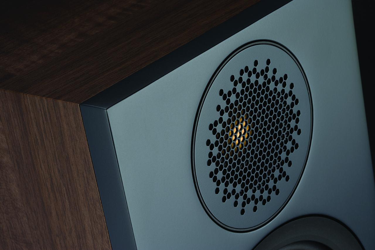 画像: 7.1ch再生ではレースの細かな音を活写する