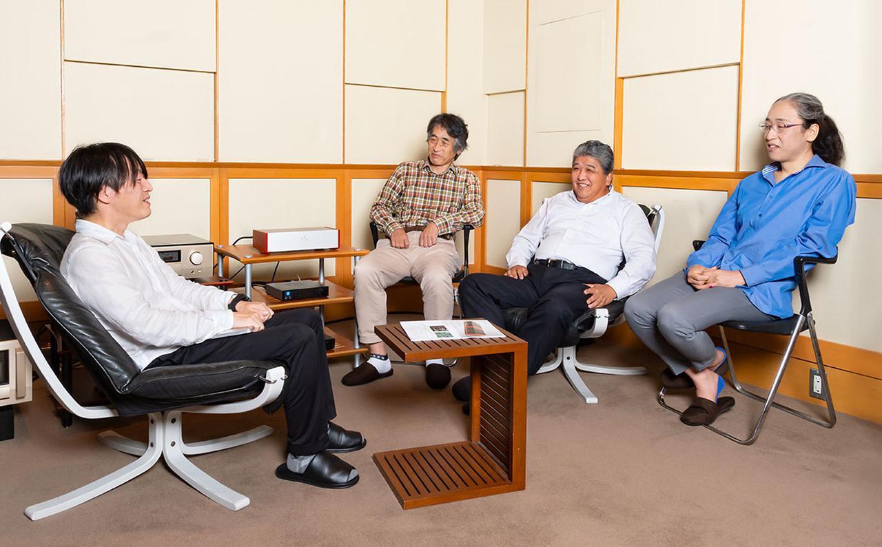 画像: 試聴の後に、RMP-UB1の企画意図などに関するインタビューも行っている。写真右からDiretta開発者の 原田 勇 さん、スペック株式会社 代表取締役社長 石見周三 さん、同 技術部長 坂野 勉 さん