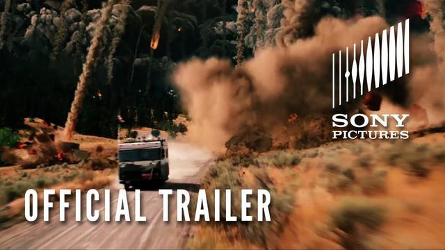 画像: 2012 Trailer #2 www.youtube.com