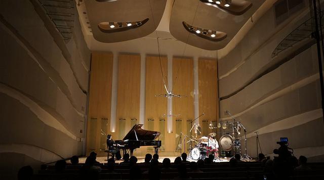画像: 演奏は富ヶ谷のハクジュホールで行った