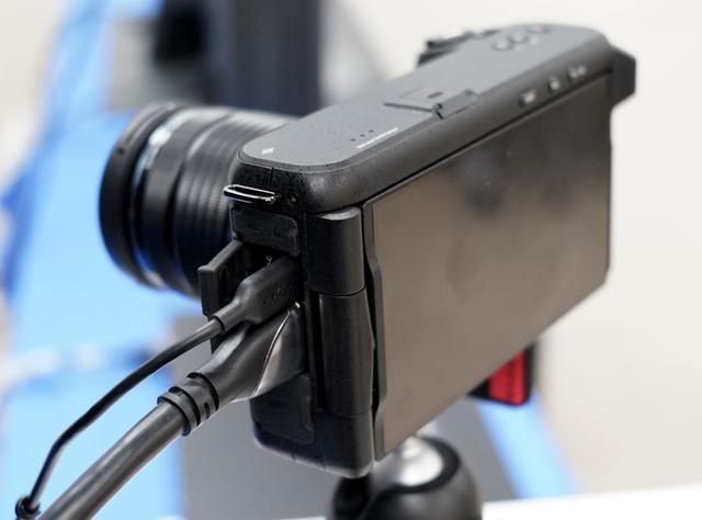 画像: ▲HDMI2.1対応の出力端子も備え、8K映像をリアルタイムに送出できる