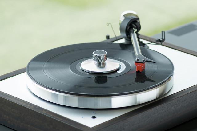 画像: Pro-Jectから、アナログレコード関連のアクセサリーが一挙に登場。MMカートリッジからデジタル針圧計、ストロボスコープなど6モデル - Stereo Sound ONLINE