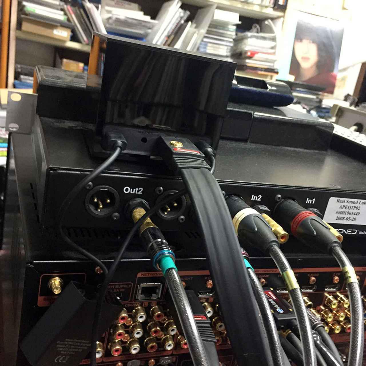 画像: 「fire tv cube」のHDMI出力をAVセンターにつないであり、145インチスクリーンとサラウンド環境で再生可能