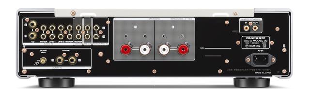 画像: アンバランス回路構成機PM-12をベースに開発されているため、入出力端子はアンバランスのみ。MM/MC両対応のフォノを装備し、フォノ入力はMM用イコライザーアンプとMC用ヘッドアンプを組み合わせたフルディスクリート型