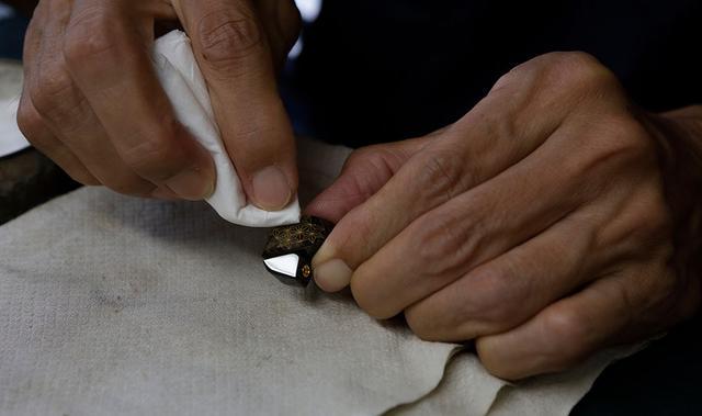 画像2: finalとDITAが共同開発した超弩級イヤホン「SHICHIKU.KANGEN-糸竹管弦-」が2021年2月に発売決定。伝統技法「沈金」を施した筐体で、全世界500台限定!