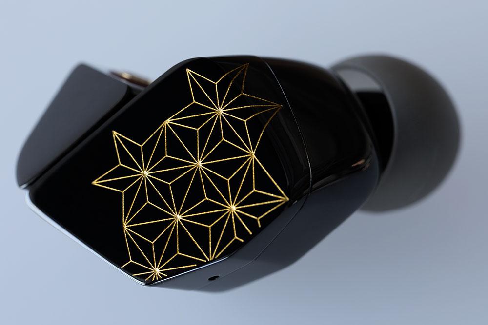 画像3: finalとDITAが共同開発した超弩級イヤホン「SHICHIKU.KANGEN-糸竹管弦-」が2021年2月に発売決定。伝統技法「沈金」を施した筐体で、全世界500台限定!