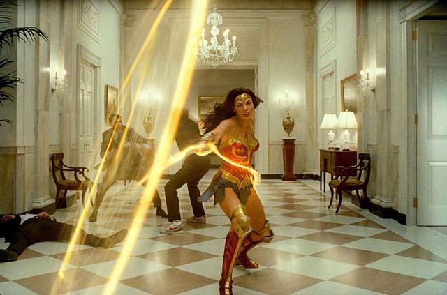 画像1: 【コレミヨ映画館vol.49】 『ワンダーウーマン 1984』 黄金の鎧で世界を救え! 跳ね返し、戦う女、ワンダーウーマンの雄姿ふたたび