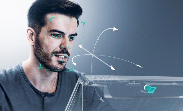 画像: ELF-SR1は、人の顔と視線をトラッキングし、リアルタイムで立体表示に最適な映像を表示する。さまざまな角度から観ても立体になるよう同時に複数の映像を表示するディスプレイに比べて、表示解像度的に大きなアドバンテージがある