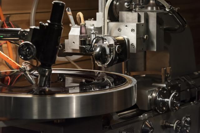 画像: ウェストレックス製のモノーラル用カッターヘッド「2B」。現在、日本のスタジオでは「STUDIO Dede」でのみモノーラルのカッターヘッドが稼働している www.stereosound-store.jp