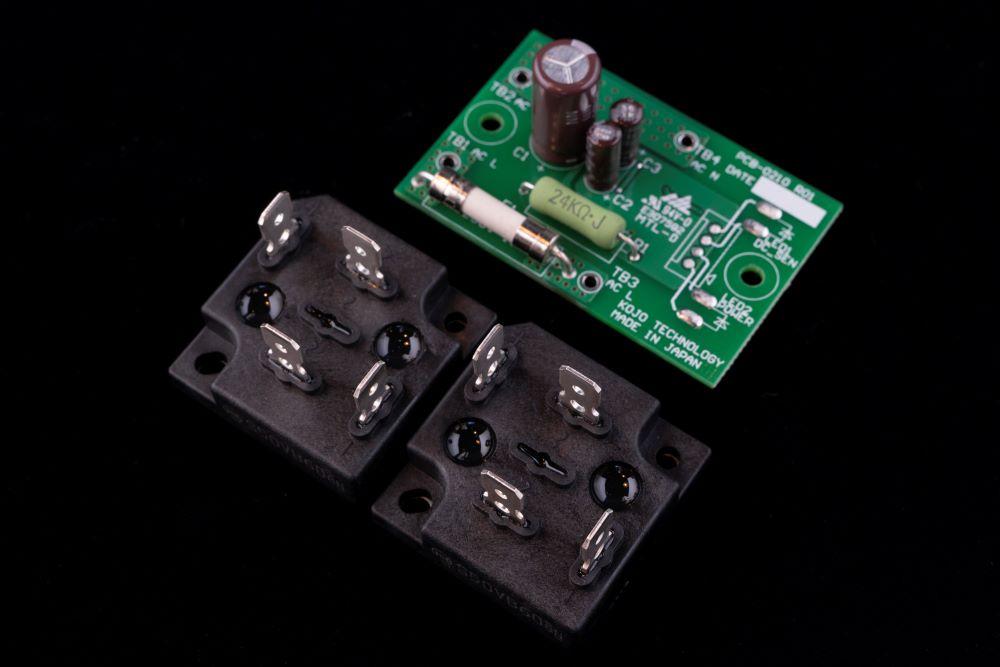 画像2: 光城精工、トランスのハムノイズを抑制してくれる新電源タップ「Crystal H1P」を2月15日に発売。電源ケーブルをセットした特別パッケージも用意