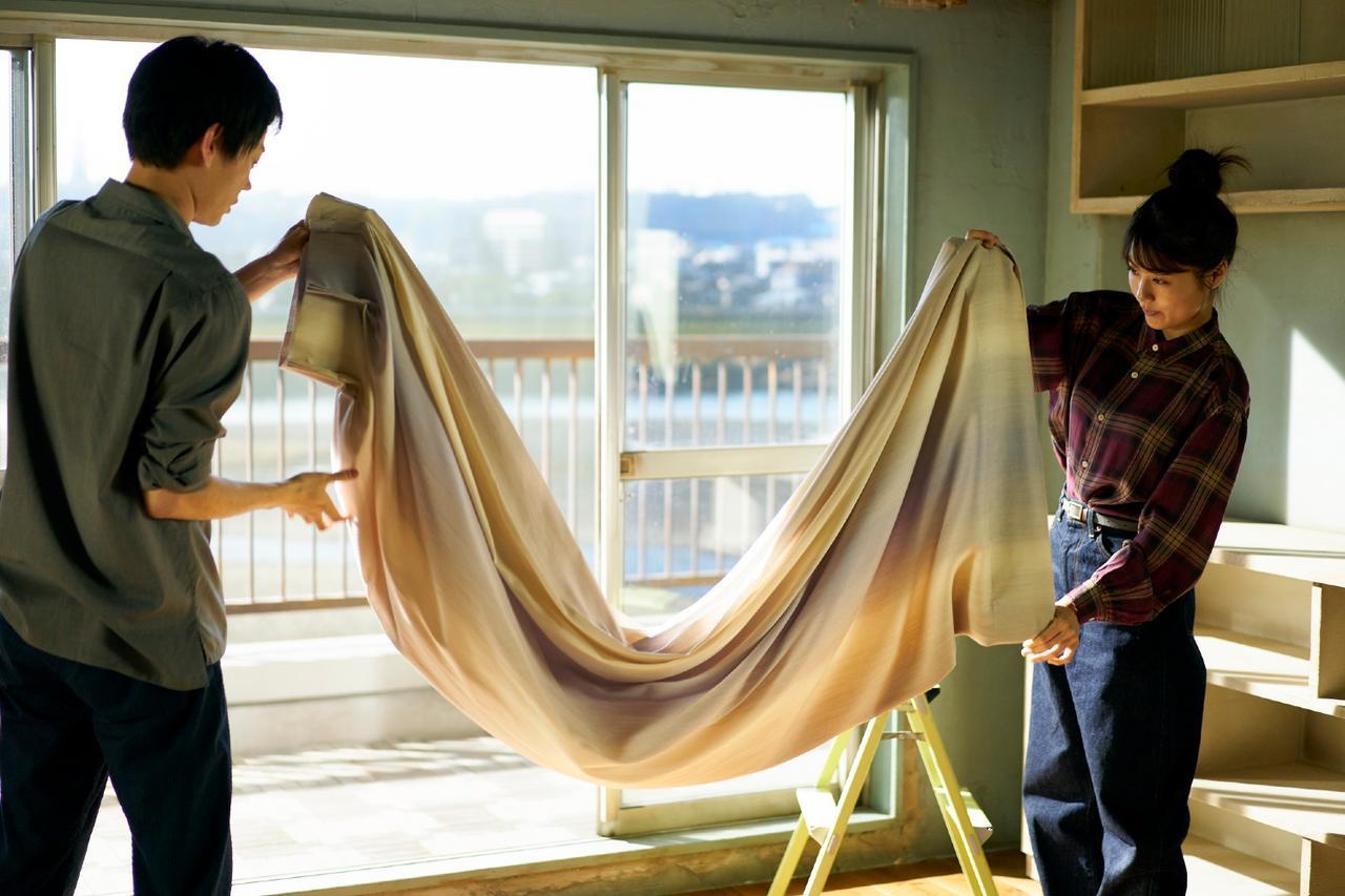 画像: 「多摩川を見下ろす、寝室とリビングが一部屋となったアパート」で幸せな同棲生活がスタートする