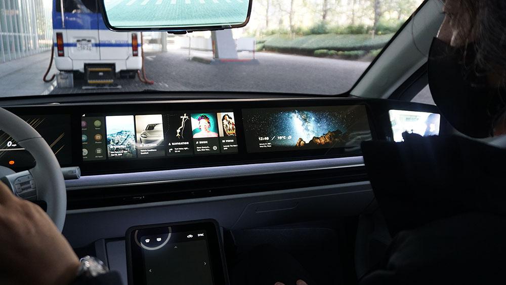 画像4: 【麻倉怜士のCES2021 レポート08】ソニーがEVを作るとこうなるのか! 走ることをエンタテインメントにした「VISION-S」試乗リポート