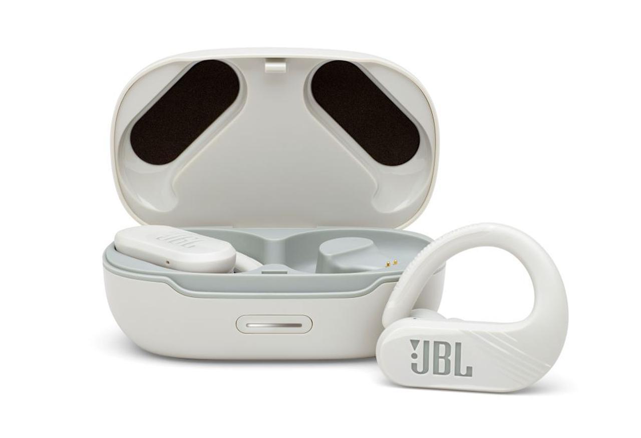画像1: JBL、装着性と再生時間を向上させたスポーツ向け完全ワイヤレスイヤホン「JBL ENDURANCE PEAK II」を2月19日に発売
