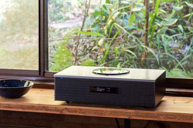 画像1: テクニクス「SC-C70MK2」は、新生活を豊かに彩る素敵なオールインワンシステムだ。ラジオからハイレゾ、レコードまでこの音で楽しめる幸せを実感する(前編)