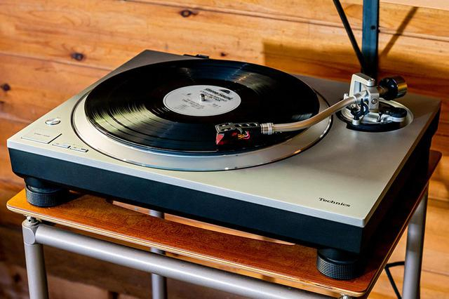 画像2: テクニクス「SC-C70MK2」は、新生活を豊かに彩る素敵なオールインワンシステムだ。ラジオからハイレゾ、レコードまでこの音で楽しめる幸せを実感する(後編)