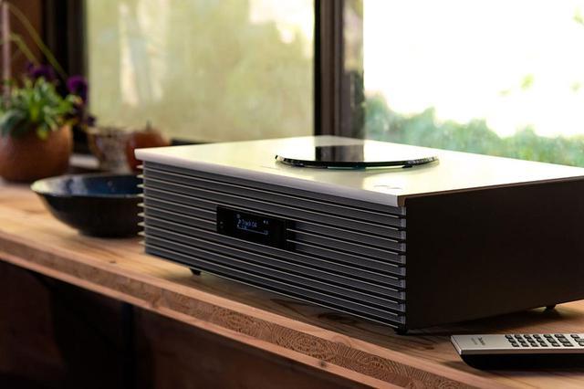 画像: テクニクス「SC-C70MK2」は、新生活を豊かに彩る素敵なオールインワンシステムだ。ラジオからハイレゾ、レコードまでこの音で楽しめる幸せを実感する(前編) - Stereo Sound ONLINE