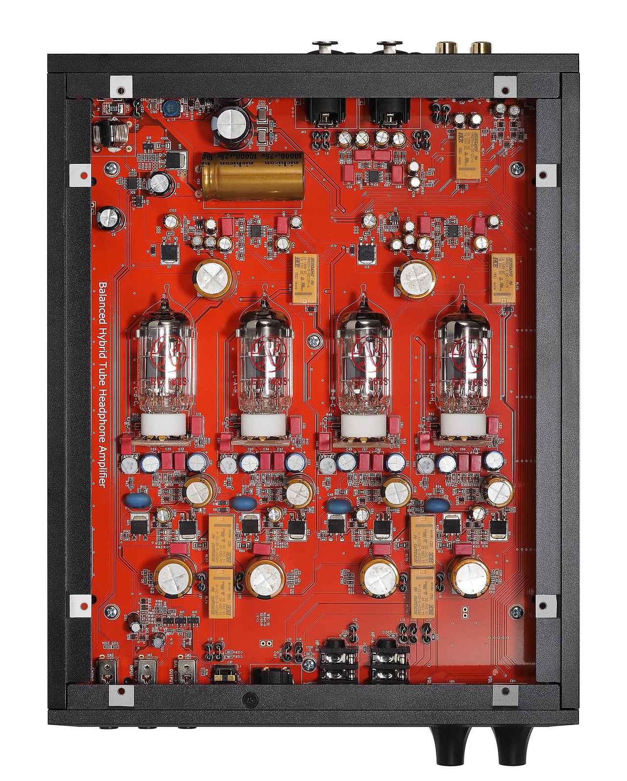 画像: プリ段をJJエレクトロニック製ECC83S、パワーアンプ部を半導体で構成。L/Rch、ホット/コールドのアンプ回路が独立する。