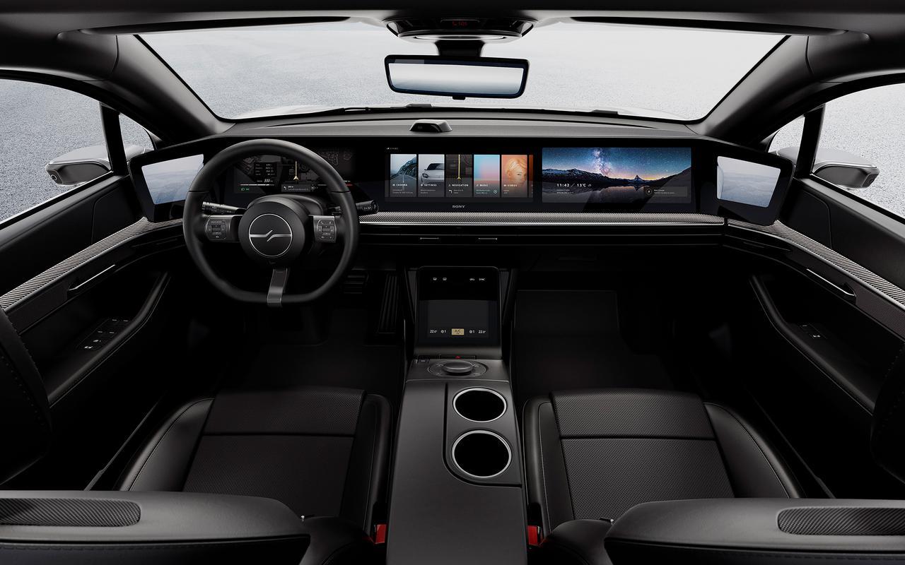 画像: ▲「VISION-S Prototype」の車内