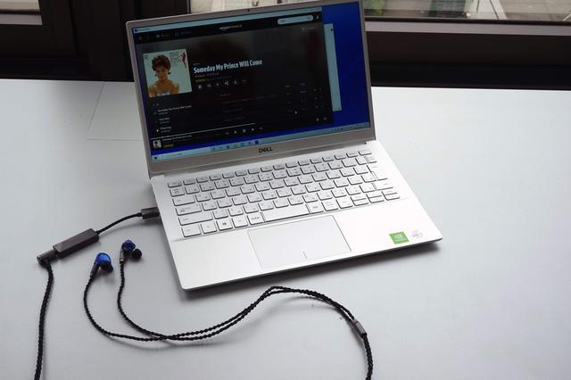 画像: D/Aコンバーター/ヘッドホンアンプ アステル&ケルン PEE51 AK USB-C Dual DAC Amplifier Cable ¥14,980(税込) ●型式:USB Type C接続専用D/Aコンバーター+ヘッドホンアンプ ●接続端子:USB Type C端子1系統(Windows10/Mac OS/Androidスマートホン/タブレット)、3.5mmヘッドホン端子1系統 ●対応サンプリング周波数/量子化ビット数:PCM・最大384kHz/32ビット、DSD・最大11.2MHz/1ビット(ネイティブ) ●寸法/質量:USBプラグ部・約17×50×10.3mm、本体・約12×20×8.2mm/約25g