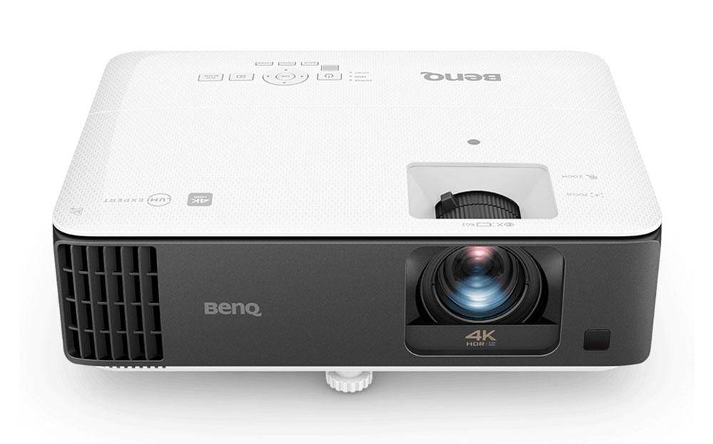画像1: BenQから、日本初の4K解像度DLPゲーミングプロジェクター「TK700STi」が発売決定。2mの投写距離で100インチの大画面再生も可能で、市場想定価格は22万円前後