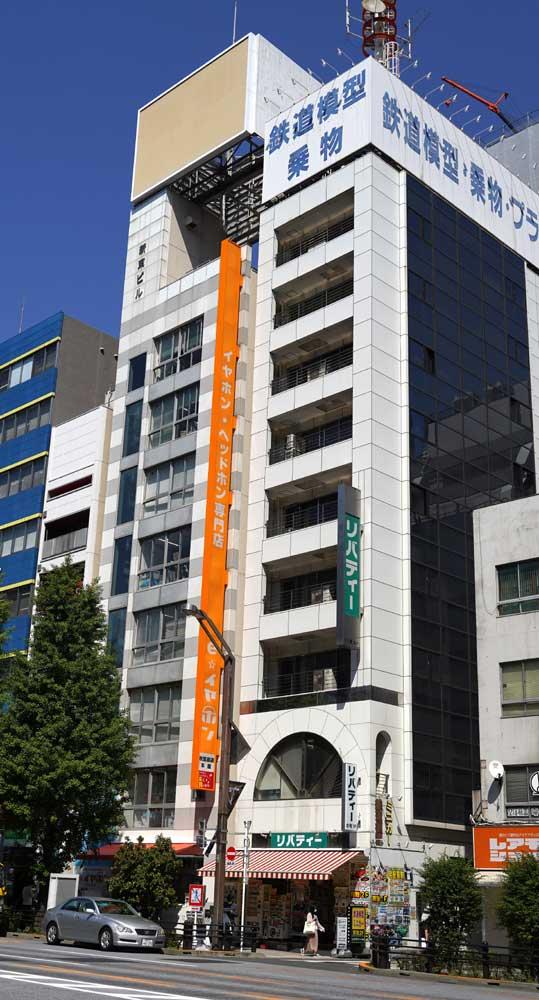 画像1: e☆イヤホン、明日4月22日より新店舗に移転オープン。25000以上のイヤホン・ヘッドホン関連のアイテムを手にできる