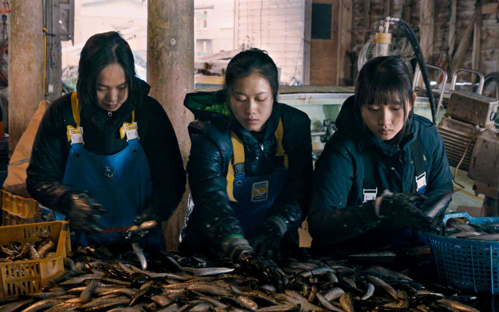 画像1: 【コレミヨ映画館vol.54】『海辺の彼女たち』 雪が残る北の町にたどりついた少女たち。新人監督のすばらしい青春映画!