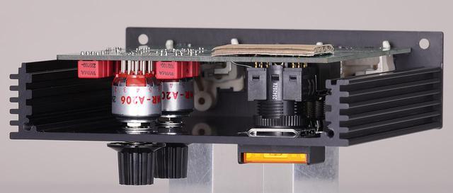 画像: AFE10の内部。ロータリースイッチは高信頼のNKKスイッチズMR-A206を採用。