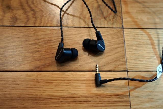 画像5: ヘヴィメタルこそイイ音で聴け!ガールズメタルバンド Aldious の Marina が最新DAP&イヤホンを聴いた