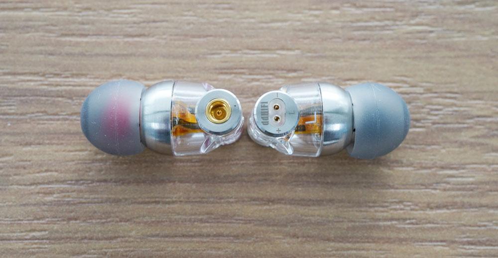 画像: コネクターは「MMCX」と「カスタム2ピン」に両対応する