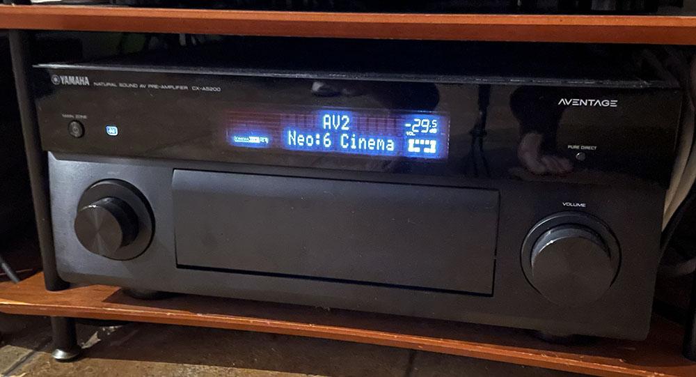画像: HR-W5の色差コンポーネント出力をAVアンプ、CX-A5200につないでHDMI信号に変換することで、プラズマテレビやプロジェクターで再生できるようになります