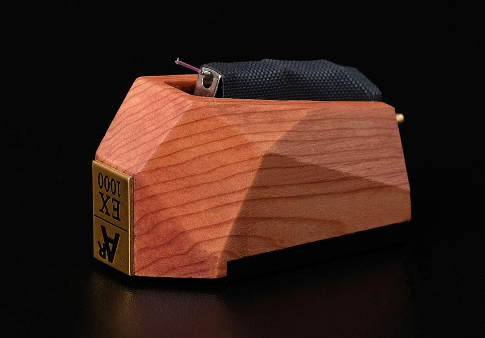 画像: 樹齢2000年越えの希少な屋久杉をボディに採用。アナログリラックスから「AR-MCC-EX1000」MCカートリッジが発売