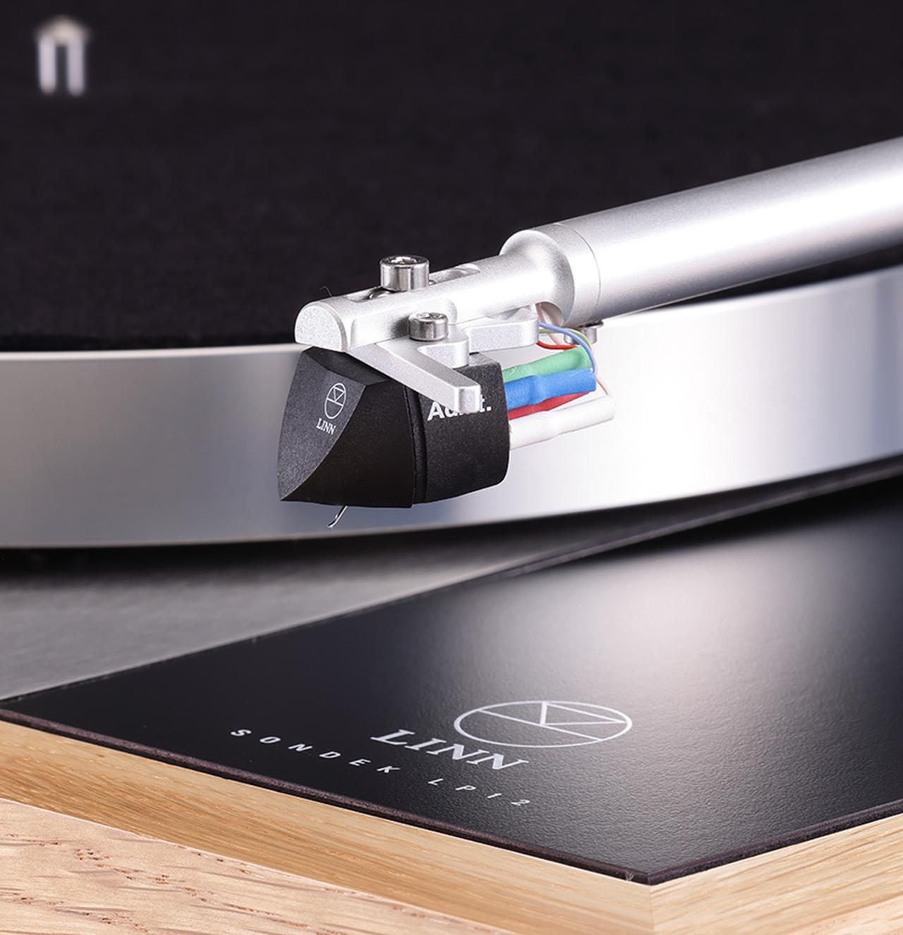 画像: ↑搭載されるカートリッジAdiktはガイガーⅡスタイラス搭載のMM型。英ゴールドリング製で自重7.0g、交換針価格¥22,000(税別)。