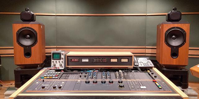 画像4: LP『テレサ・テン ラストコンサート』は、まるで昨日収録されたかのような鮮度の高い臨場感。フルリミックス音源から作られた、初めてのレコードの魅力を堪能!