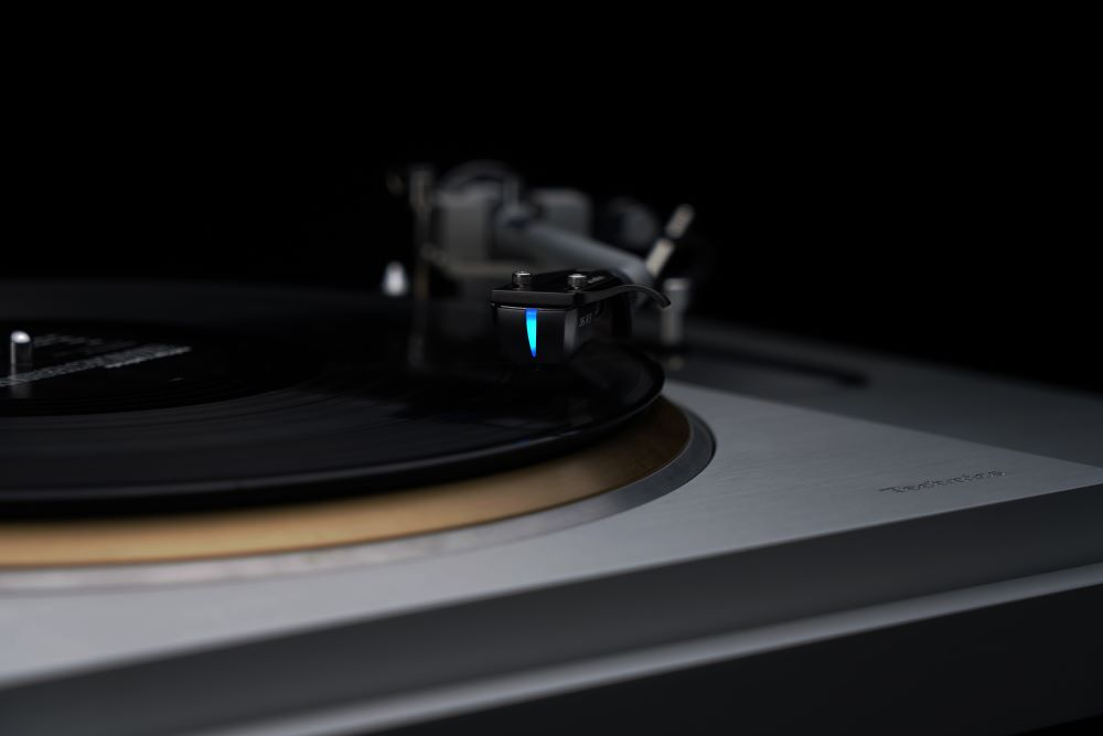 画像1: DS Audio、新製品のディザーカットを公開! 光カートリッジの最上位モデル「GRAND MASTER」を彷彿とさせる威容を備えたデザイン!