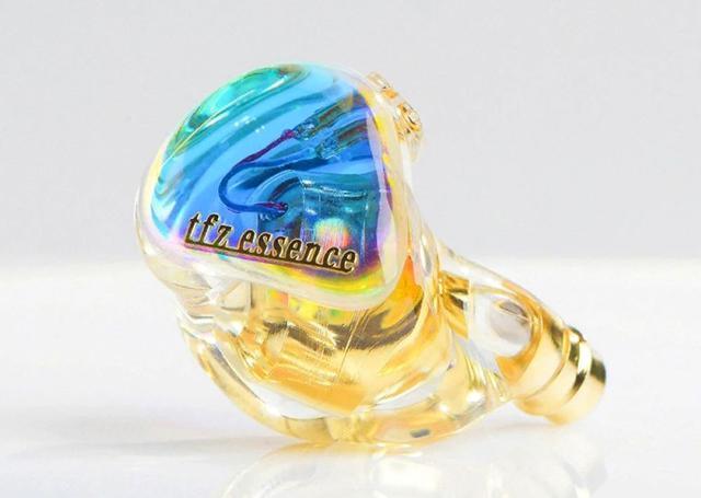 画像1: TFZ、見る角度によって色が変わる流麗ハウジング採用の有線イヤホン「ESSENCE」を5月21日に発売