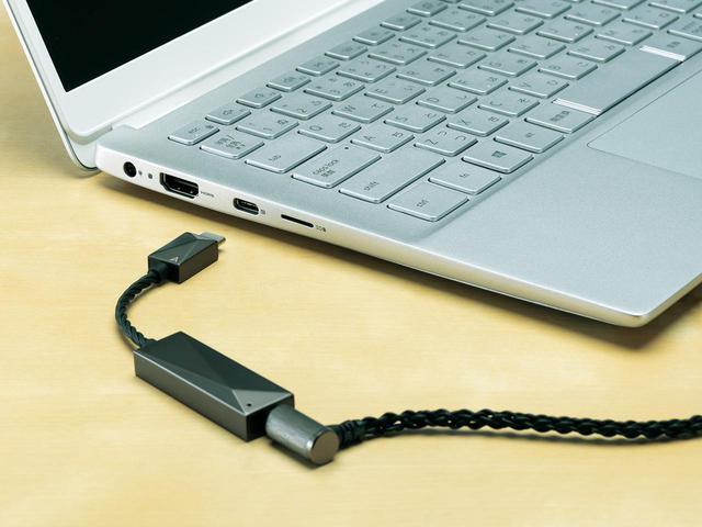画像: Androidスマホ/タブレットのほか、USB TypeC端子を備えたWindows PC、Mac PCでも使用可能。音量調整はパソコン側で行なう